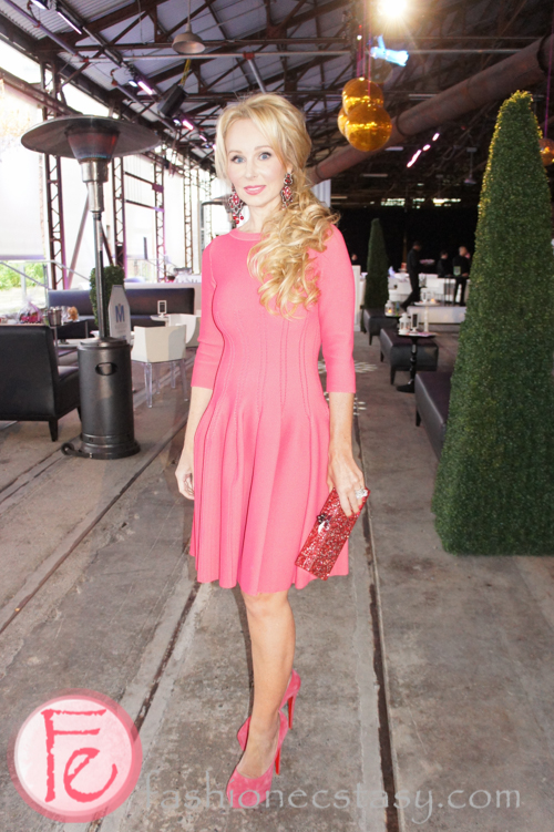 suzanne rogers wearing ala239a dress � block party for
